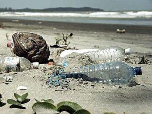rifiuti_spiaggia--400x300