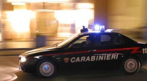 Troppo rumore sotto casa sua: 50enne spara dal balcone a un gruppo di giovani