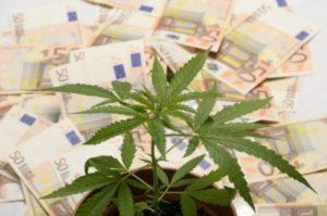 soldi-euro-droga[1]