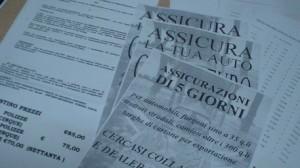 Foto truffa assicurazioni a Taranto