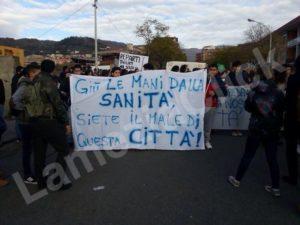 manifestazione_sanita_studenti1