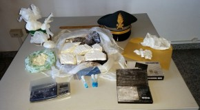 Crotone, sequestrato un chilo di cocaina. Arrestato un 32enne