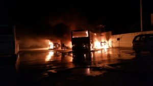 Intervento dei Vigili del Fuoco per incendio autobus Locri