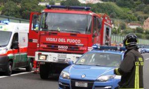autostrada-vigili-polizia-118-ambulanza[1]