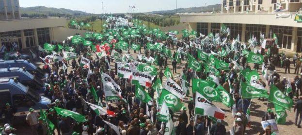 protesta_agricoltori_regione_calabria-e1462441861364[1]
