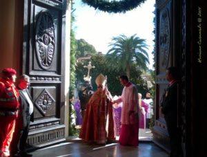 vescovo porta santa