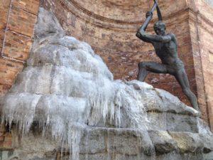 Maltempo: gelo in Calabria, acqua fontana ghiacciata a Catanzaro