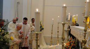 Un disabile, anziani e giovani impegnati nel volontariato gli apostoli della Coena in Domini in Cattedrale
