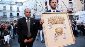 L'Arcivescovo Graziani e Affidato consegnano i Diademi per la Madonna Polacca