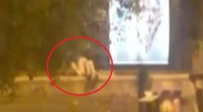 Sesso nei giardini della Reggia di Caserta, identificata la coppia che diede scandalo – VIDEO