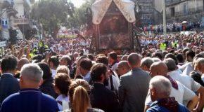 """In migliaia alla festa della Madonna della Consolazione. Mons. Morosini: """"Amare di più la nostra città"""""""