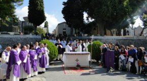 Commemorazione defunti, celebrazioni del vescovo di Lamezia nei cimiteri cittadini