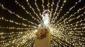 Omaggio floreale della Chiesa e della città di Lamezia all'Immacolata l'8 dicembre